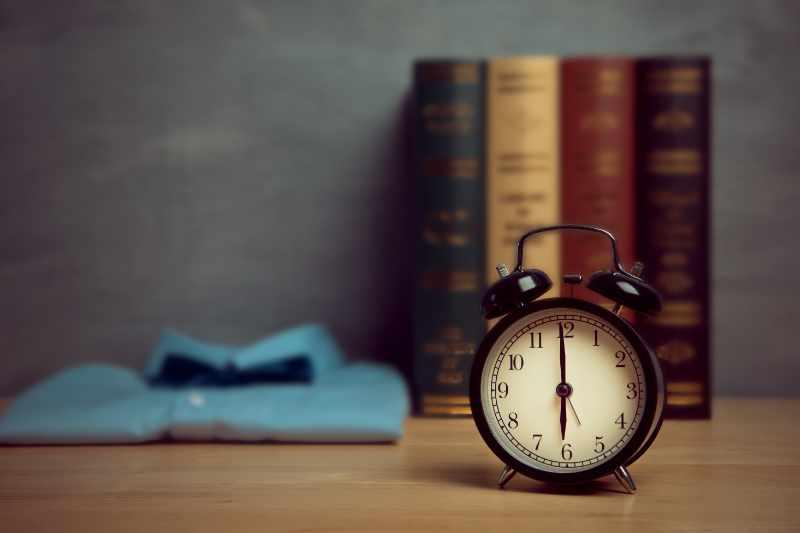 Klok om 6 uur in de ochtend voor een goede ochtendroutine
